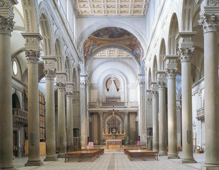 Church of san lorenzo for Interior iglesia san lorenzo brunelleschi